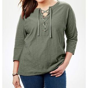 NWT LACE-UP TEE Size 18/20 Sage Green